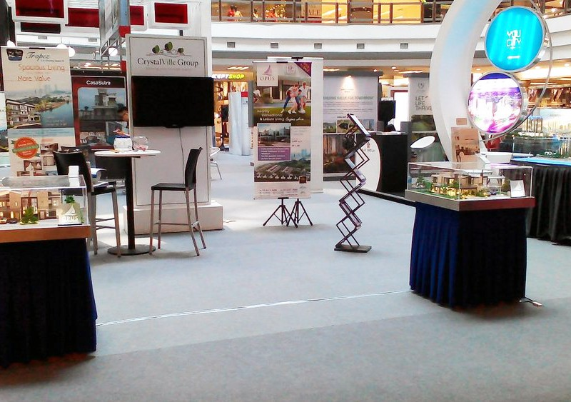CrystalVille-Group-Exhibition-at-One-Utama-Shopping-Centre