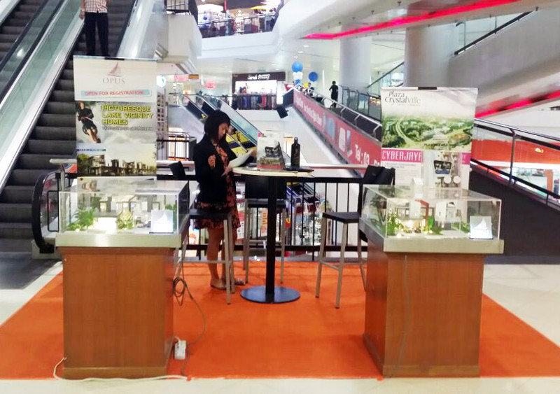 CrystalVille-Group-Roadshow-at-Subang-Parade-2015